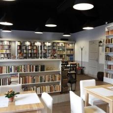 Könyvbár & Restaurant