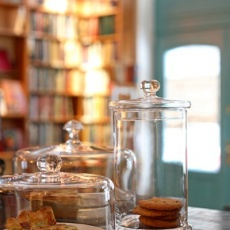 Massolit Books & Café