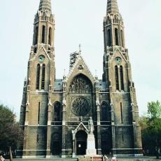 Szent Erzsébet-plébániatemplom