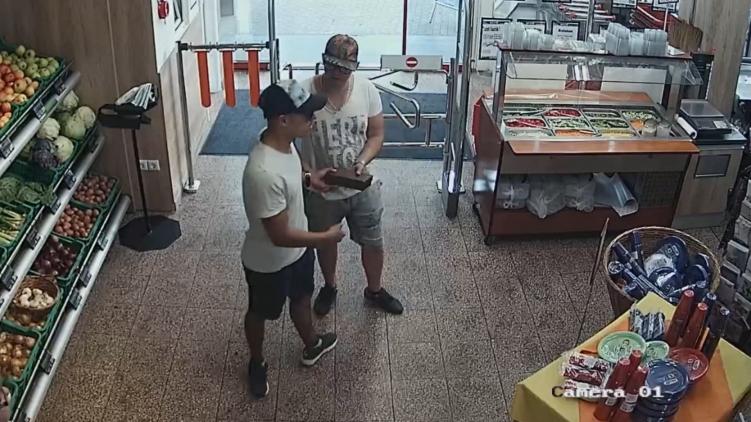 Tolvajlás utáni vásárlás a Terézvárosban (forrás: Police.hu)